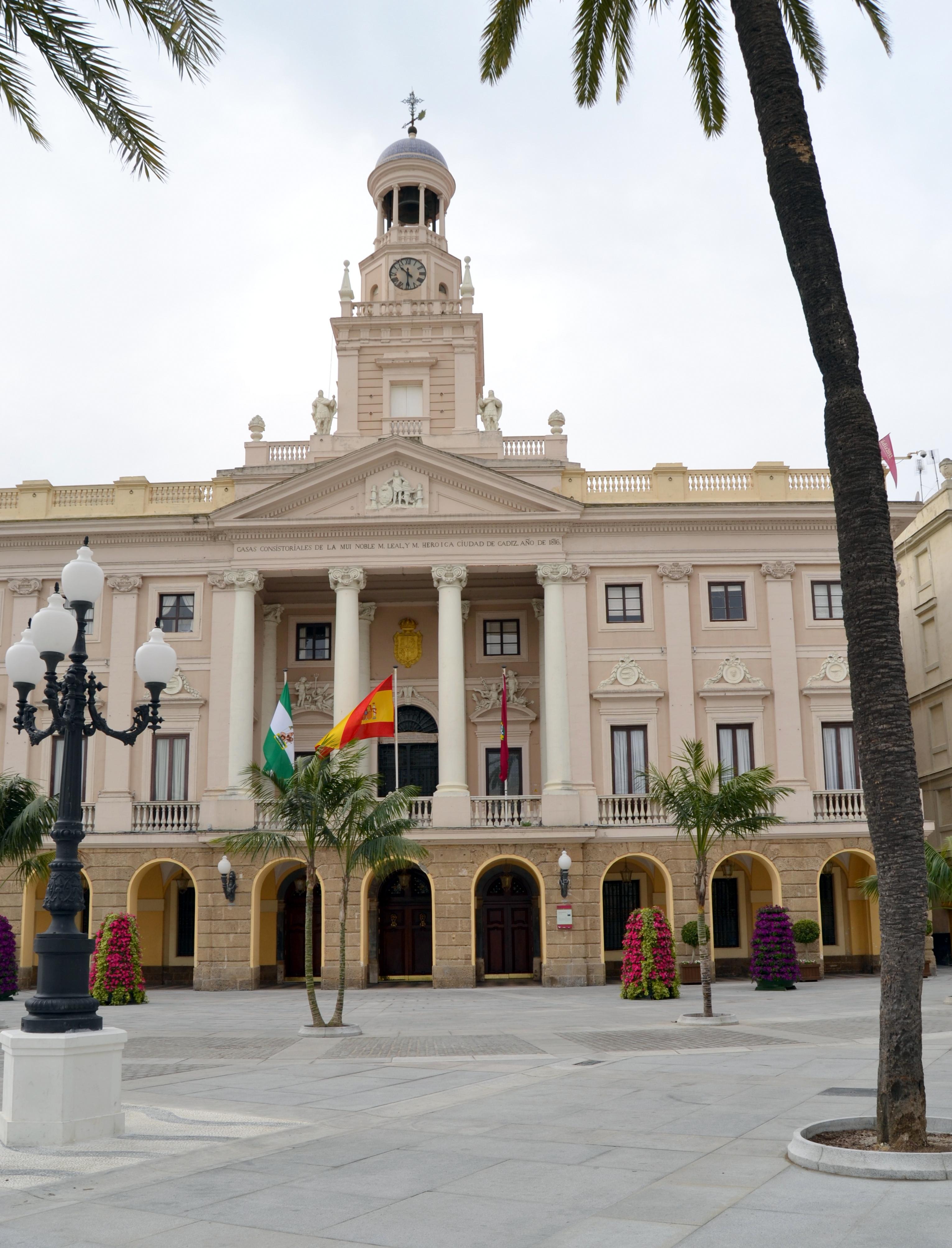 Plaza de san juan de dios y ayuntamiento de c diz for Ayuntamiento de cadiz recogida de muebles